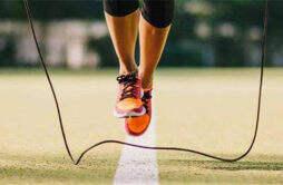 每天跳绳三十分钟可以减肥吗 女生跳绳减肥的正确方法