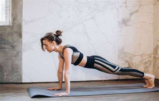 最适合懒人在床上的减肥方法 床上锻炼法