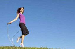 冬天跳绳能减肥吗 每天跳绳多少下能减肥